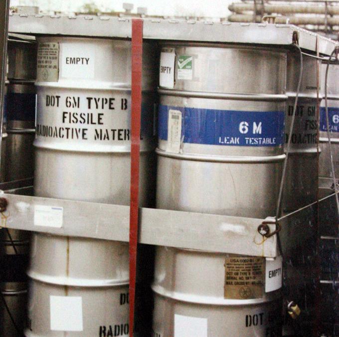 SAPPHIRE 9 barrels holding HEU for shipment2